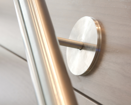 Stainless steel handrail at Boréal in Brussels
