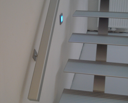 Moderne trap Triangle bij Desmet-Claeys