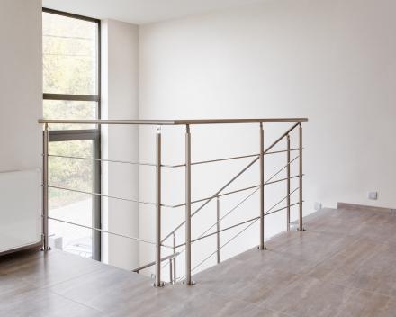 Moderne trap Triangle bij Waignain