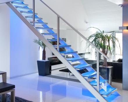Verlichte trap bij Hanssens in Oudenaarde