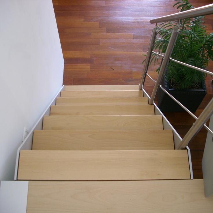 Escalier en bois chez Bobet à Lille (FR)