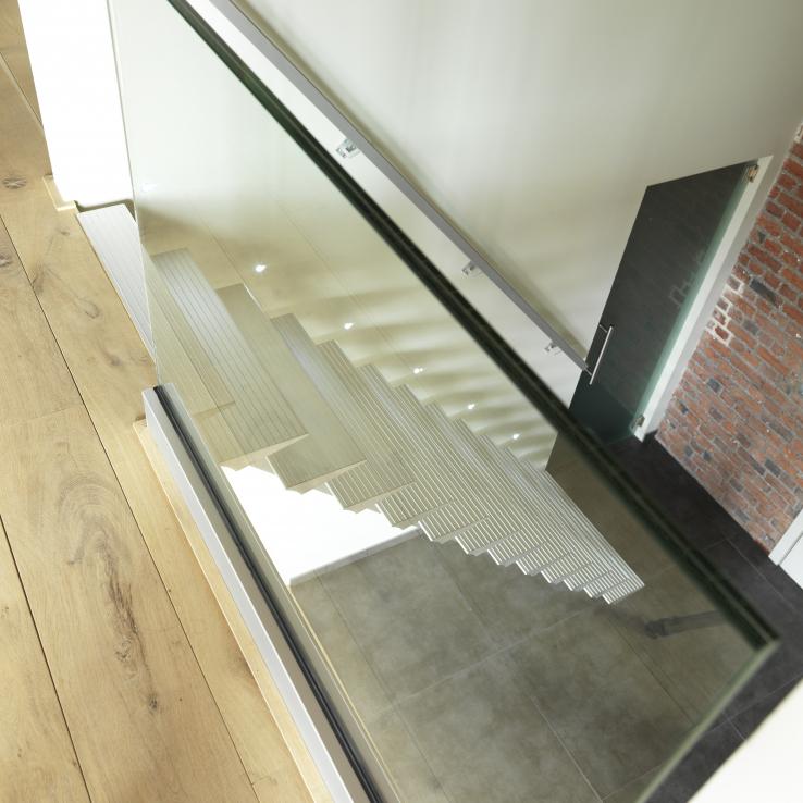 Moderne trap Triangle bij De Blonde