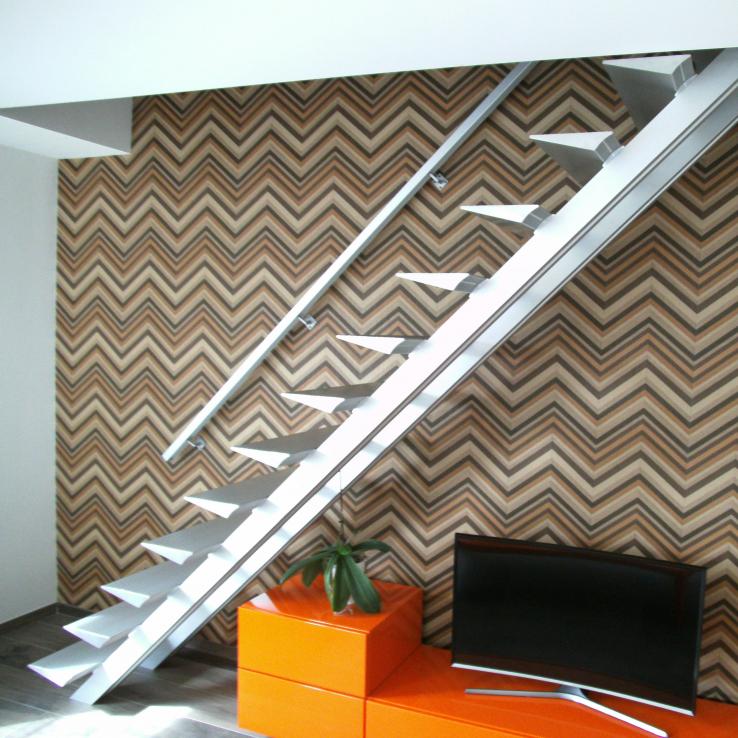 Moderne trap Triangle bij Deneve